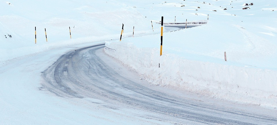 The ultimate guide to driving in snow & ice